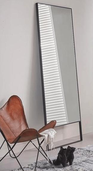 Staande spiegel met zwart stalen frame