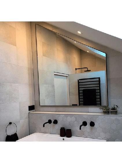 Spiegel met schuine hoek