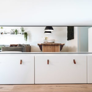 spiegel met brede stalen lijst frame omlijsting matzwart poedercoating